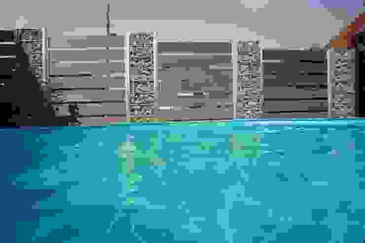 Sichtschutz für Ihren Poolbereich Moderner Garten von Steelmanufaktur Beyer Modern Metall