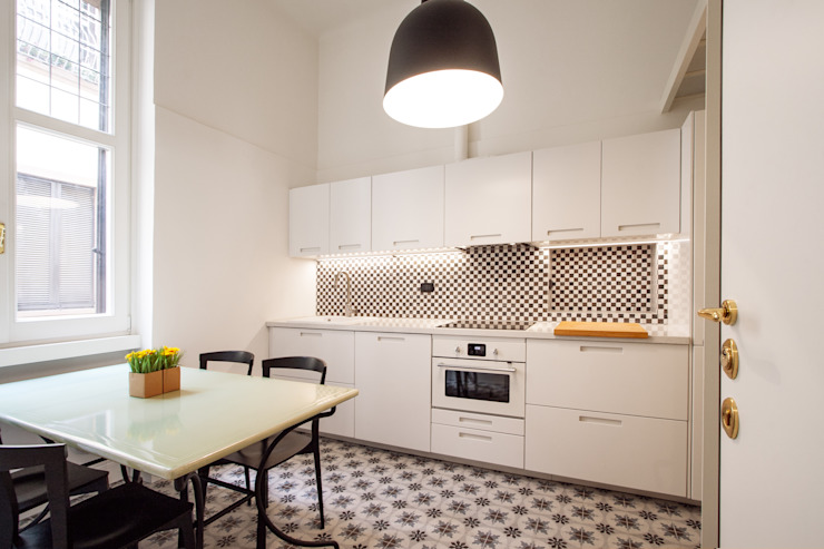 Built-in kitchens by Chantal Forzatti architetto,