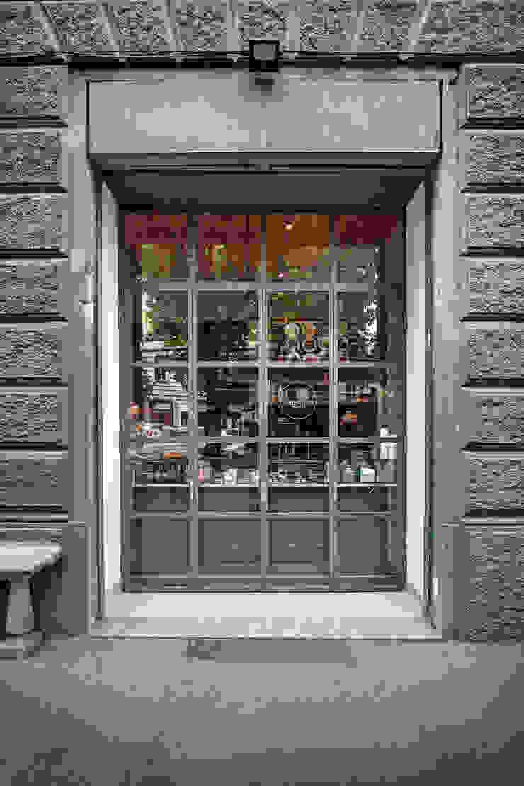 Puertas y ventanas industriales de Chantal Forzatti architetto Industrial