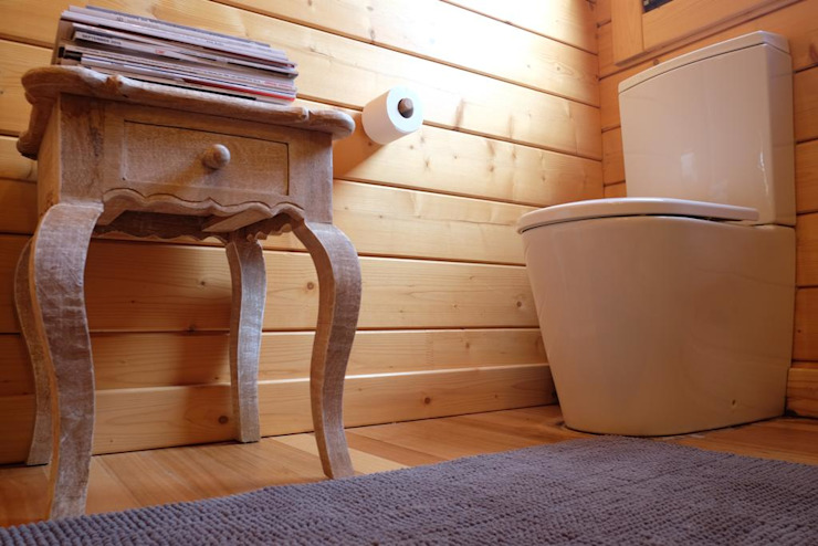 Country style bathroom by Rusticasa Country Solid Wood Multicolored
