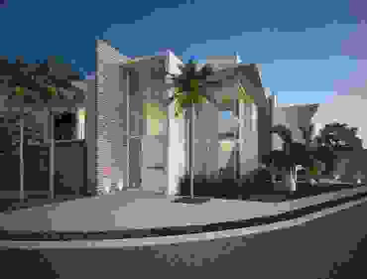 現代房屋設計點子、靈感 & 圖片 根據 Marcos Baldasso Arquitetura 現代風
