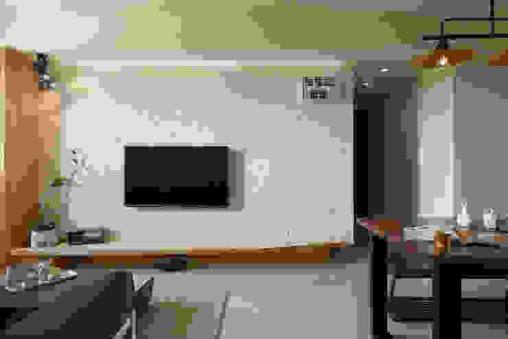 Salas de estilo  por 趙玲室內設計