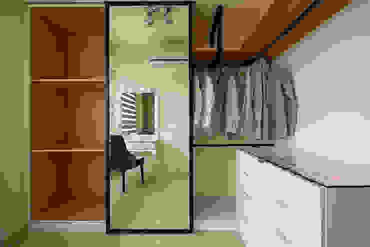 女主人的秘密花園(更衣間) Industrial style dressing room by 趙玲室內設計 Industrial