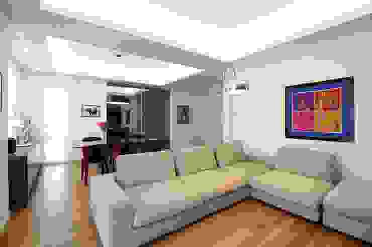 Appartamento a Termini Imerese PA Soggiorno moderno di Giuseppe Rappa & Angelo M. Castiglione Moderno