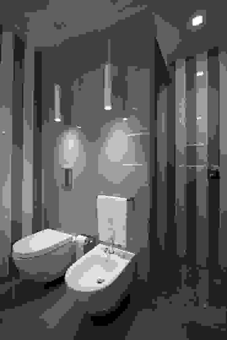 Modern bathroom by Giuseppe Rappa & Angelo M. Castiglione Modern