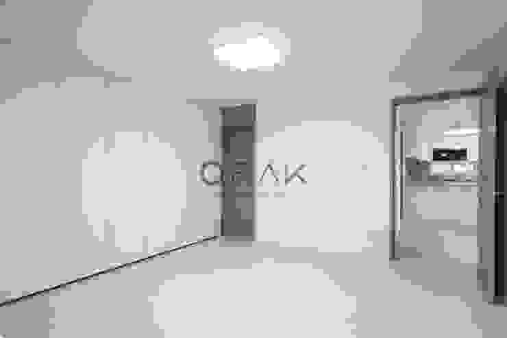 정자동 임광보성아파트 / 33평형 아파트 인테리어 모던스타일 침실 by 오락디자인 모던