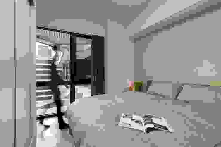 ห้องนอน โดย 築川設計,