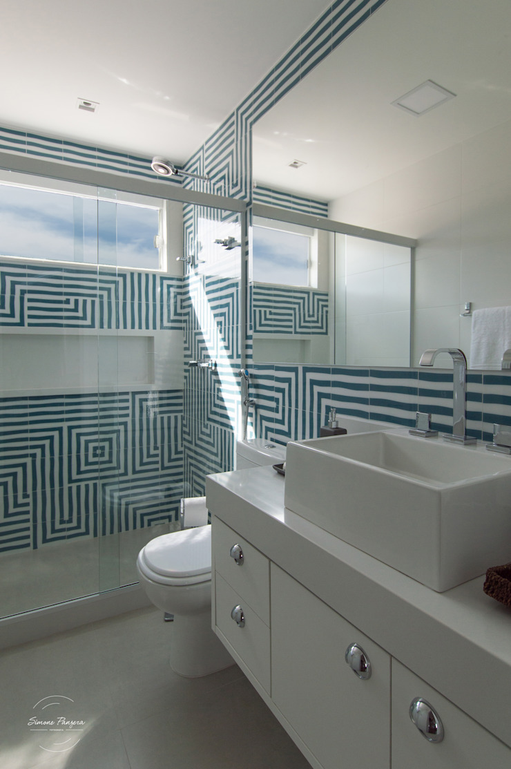 Modern Bathroom by MORSCH WILKINSON arquitetura Modern Ceramic