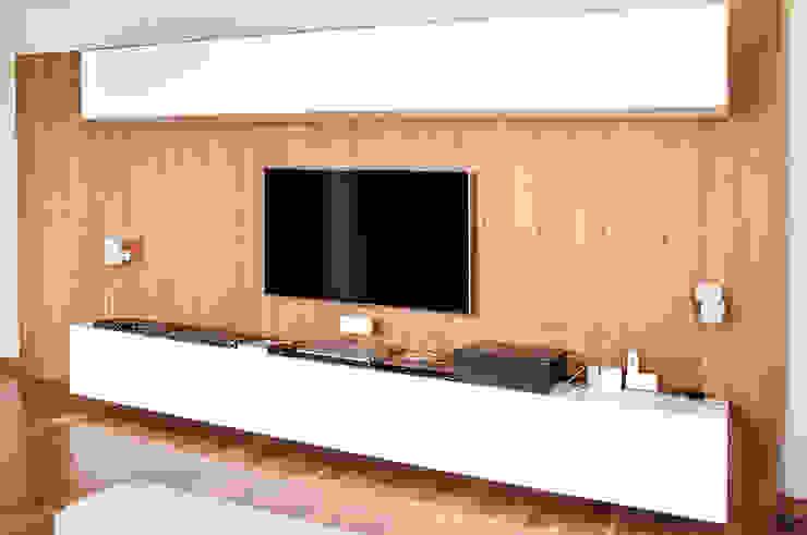 Multimedia-Raum von Mazura,