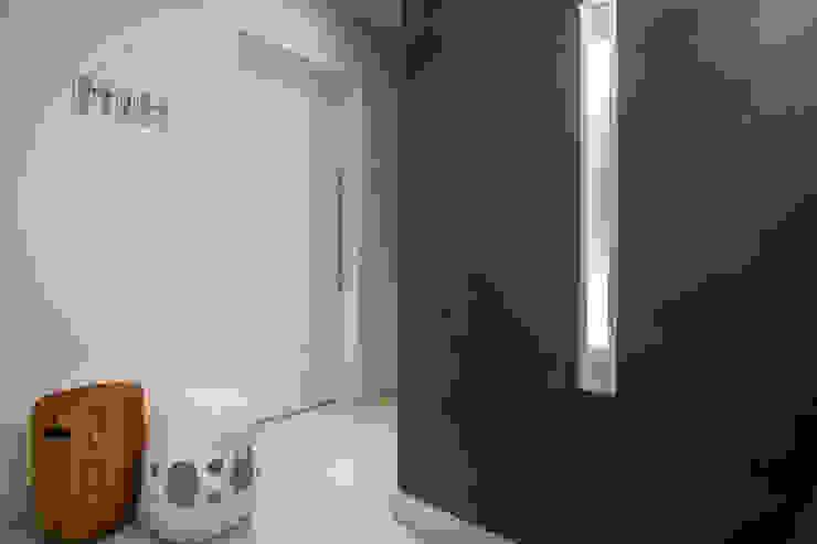 studio vert arquitetura Minimalist corridor, hallway & stairs