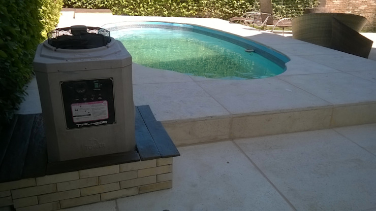 Garden Pool by Rebello Pedras Decorativas, Modern