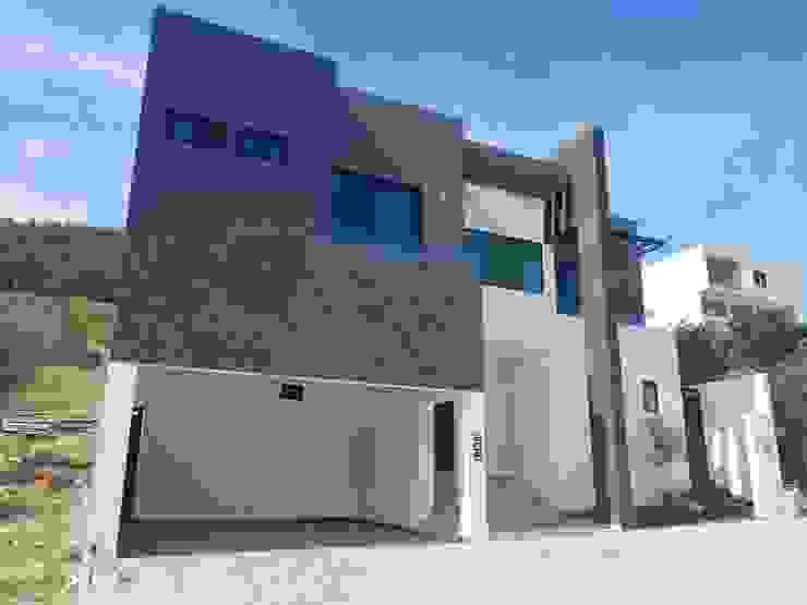 Moderne Häuser von AYALA Proyectos y Construccion Modern