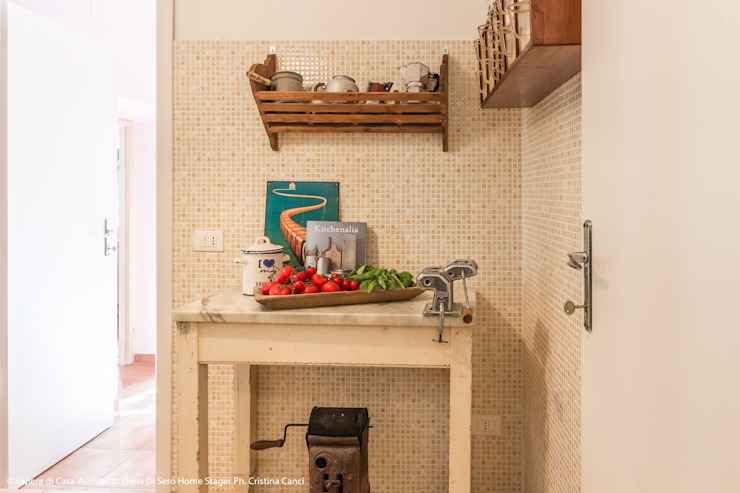 Dapur Gaya Eklektik Oleh Sapere di Casa - Architetto Elena Di Sero Home Stager Eklektik
