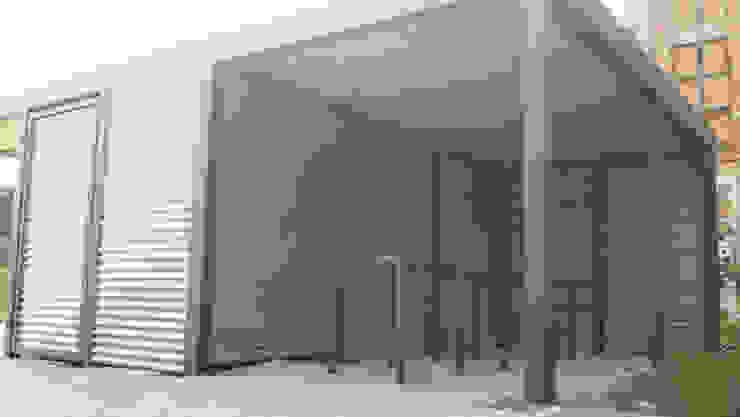 Garagem e arrecadação  por Carport-Schmiede GmbH & Co. KG - Hersteller für Metallcarports und Stahlcarports