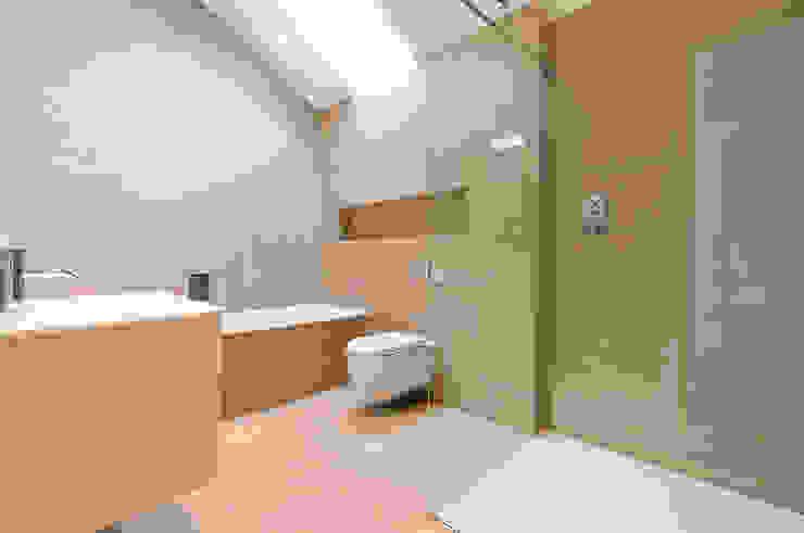 East Sheen Modern bathroom by Corebuild Ltd Modern
