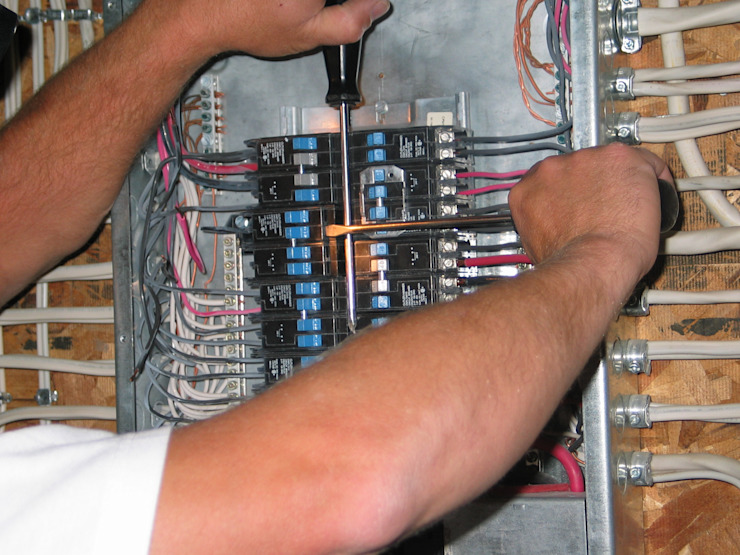 Replacing the Circuit Breaker by Electricians Centurion