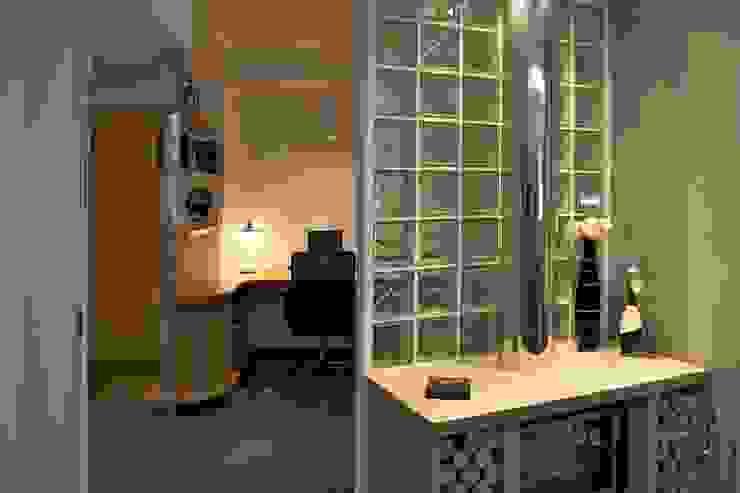 Casa SCR Laboratorio di Progettazione Claudio Criscione Design Sala multimediale moderna