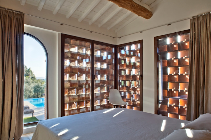 Basement windows by MIDE architetti
