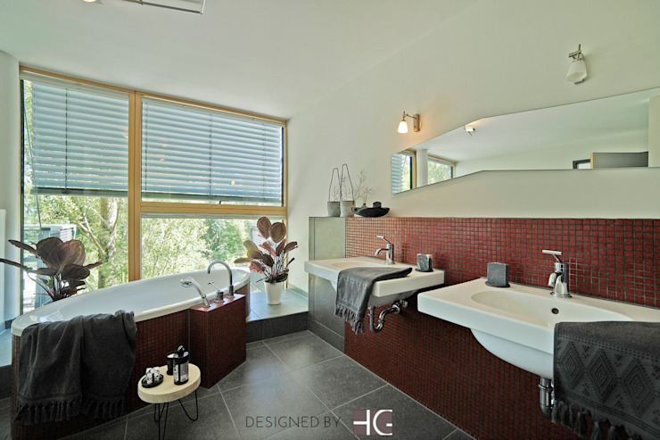 Modern Bathroom by Münchner home staging Agentur GESCHKA Modern