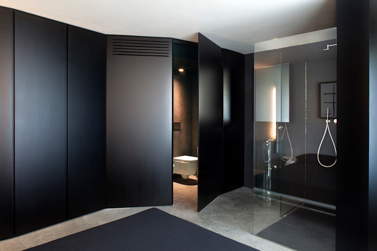 Ruang Ganti Gaya Mediteran Oleh MIDE architetti Mediteran