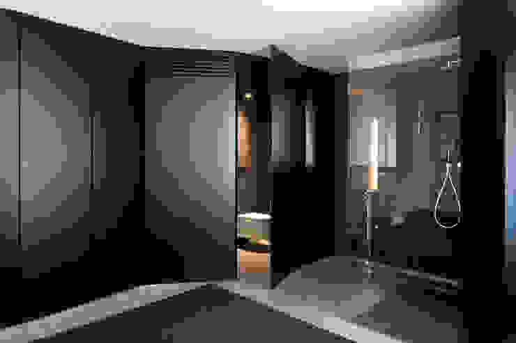 Ruang Ganti by MIDE architetti
