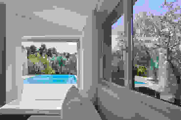Kamar Tidur by MIDE architetti