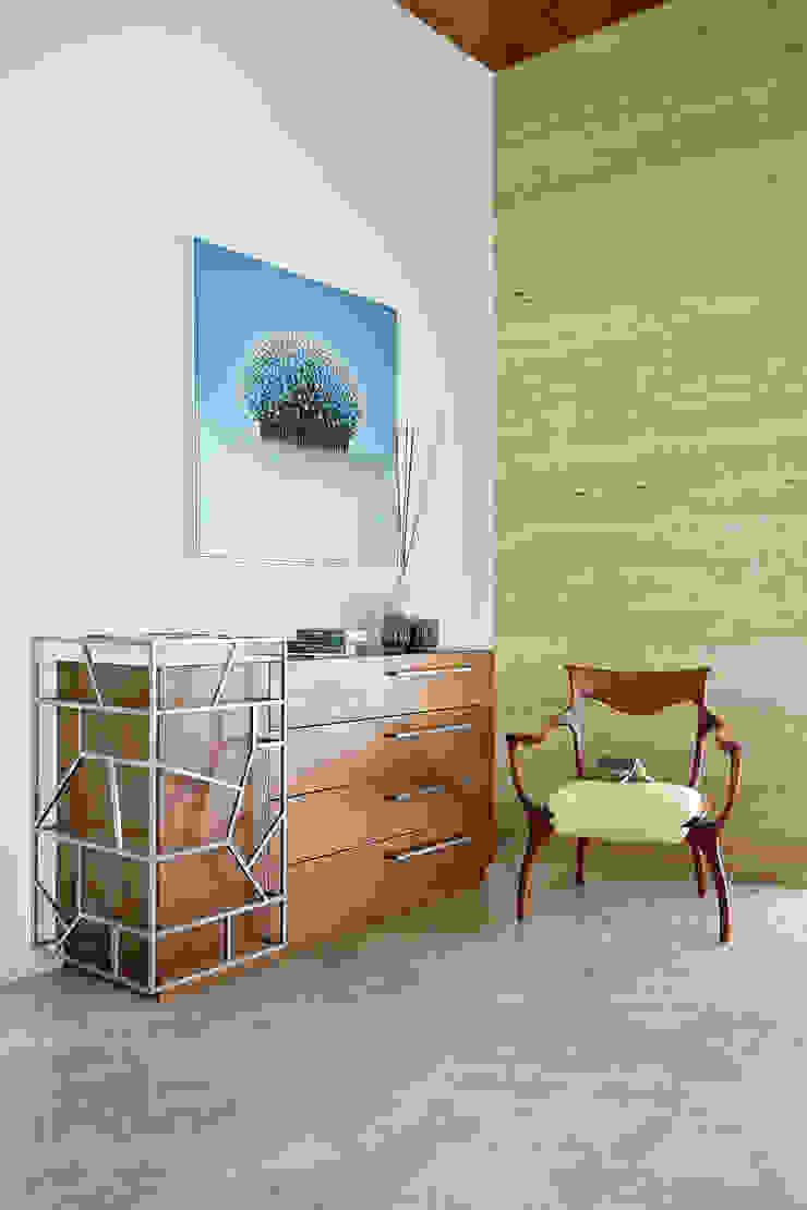 kabir bungalow Modern living room by USINE STUDIO Modern