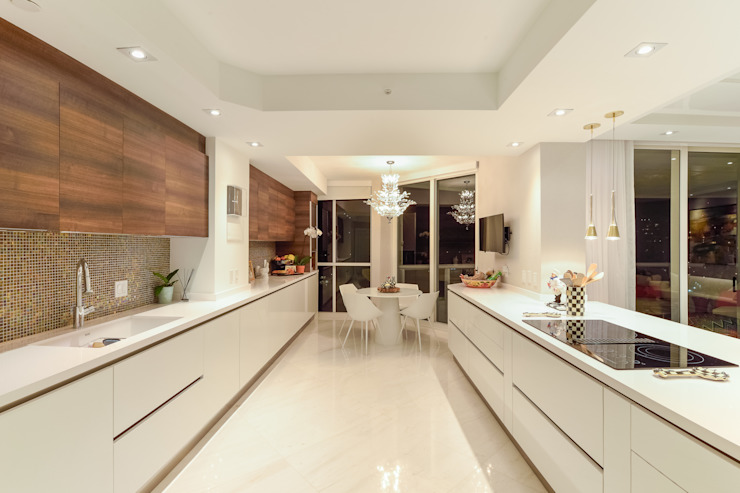 Modern Kitchen by NIVEL TRES ARQUITECTURA Modern Marble