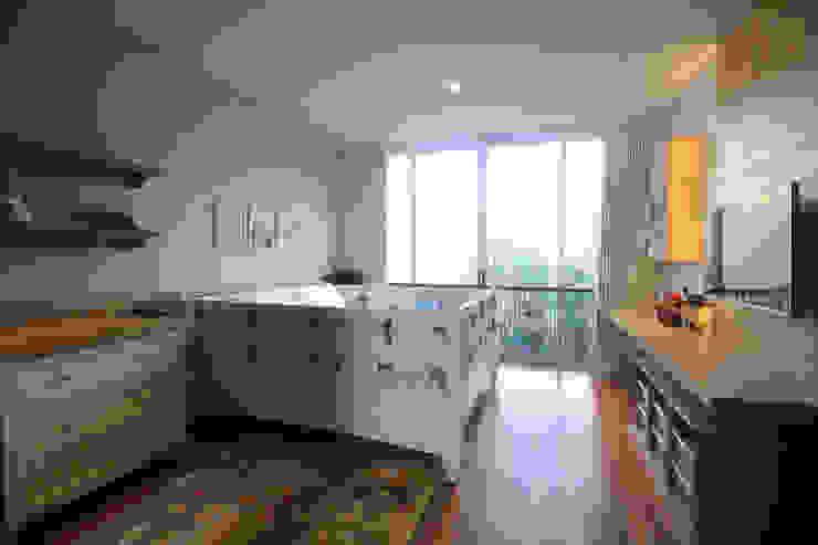 SL RESIDENCE Oleh ALIGN architecture interior & design Tropis