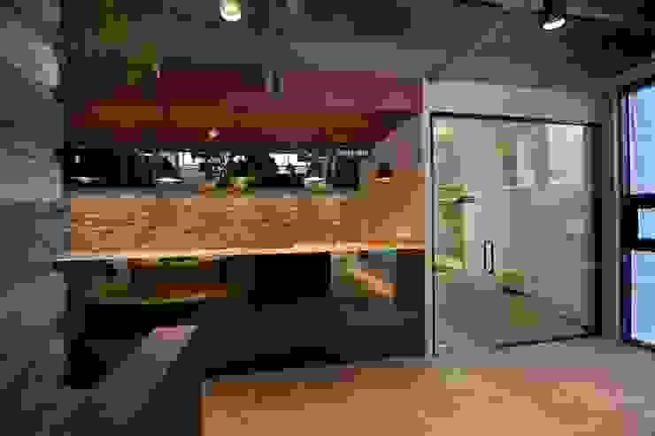 대구 남구 대명동 예쁜 카페 커피숍 인테리어 리모델링 클래식스타일 다이닝 룸 by inark [인아크 건축 설계 디자인] 클래식 타일