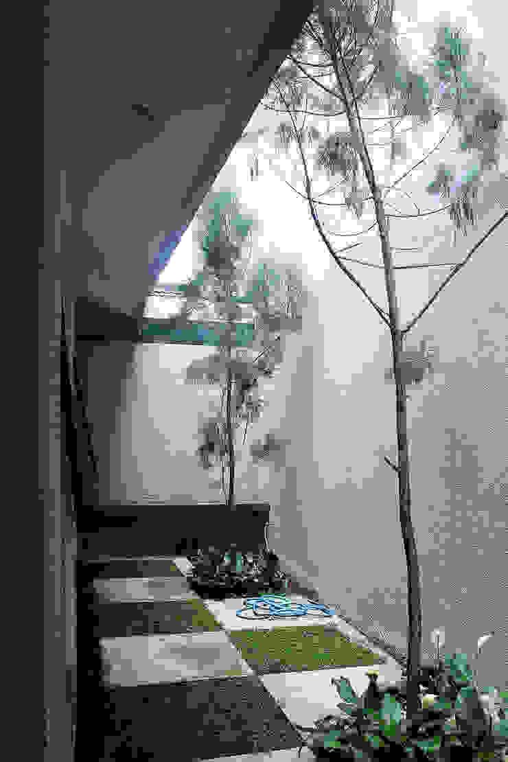A + A House Oleh Lukie Widya - LUWIST Spatial