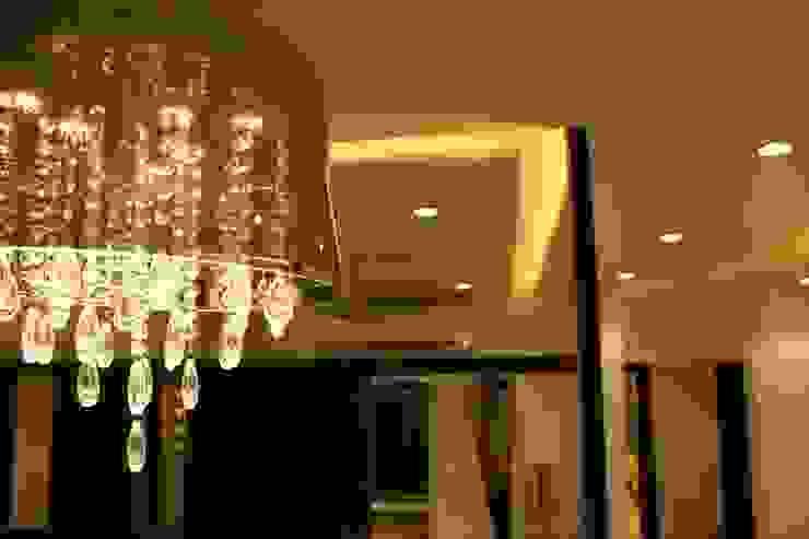 Mystic Moods,Pune Modern corridor, hallway & stairs by H interior Design Modern