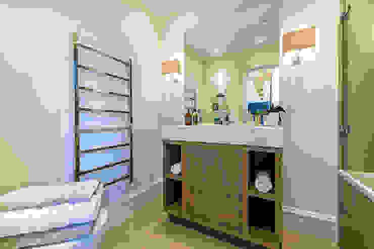Drayton Gardens Classic style bathroom by Maxmar Construction LTD Classic