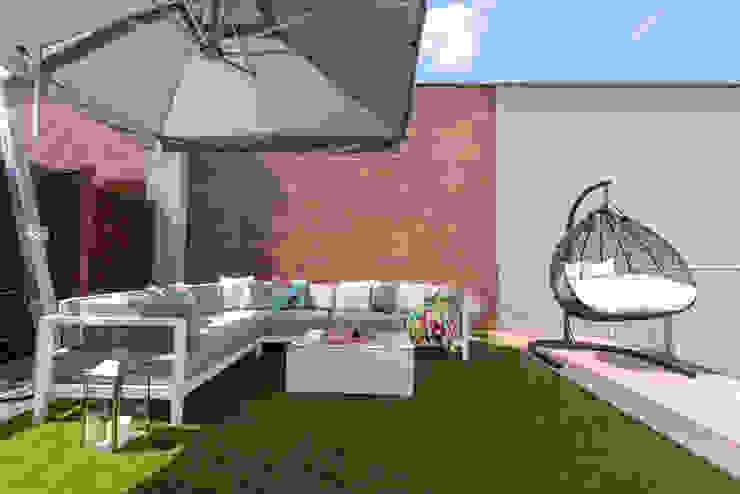 Zdjęcie tarasu Rustykalny balkon, taras i weranda od Viva Design - projektowanie wnętrz Rustykalny Ceramiczny