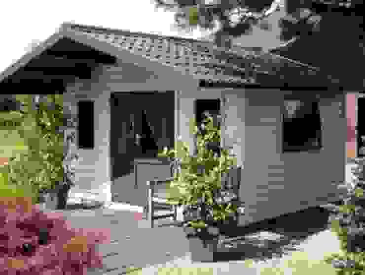Tuinhuis met dakpanplaten Beplatingswinkel Dak Metaal Grijs