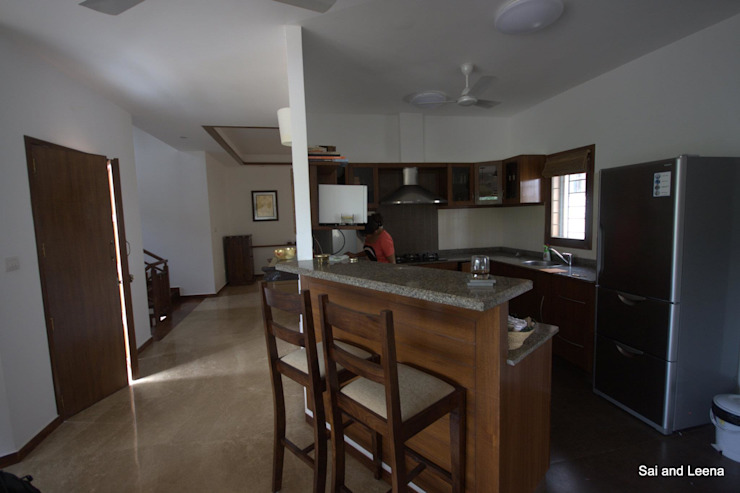 Kannan - Sonali and Gaurav's residence Eclectic style kitchen by Sandarbh Design Studio Eclectic