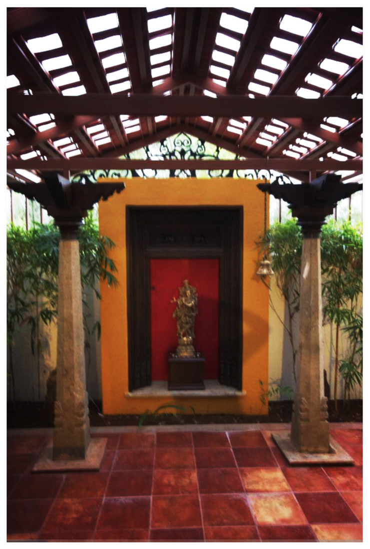 Temple Bells—Arati and Sundaresh's Residence Eclectic style garden by Sandarbh Design Studio Eclectic