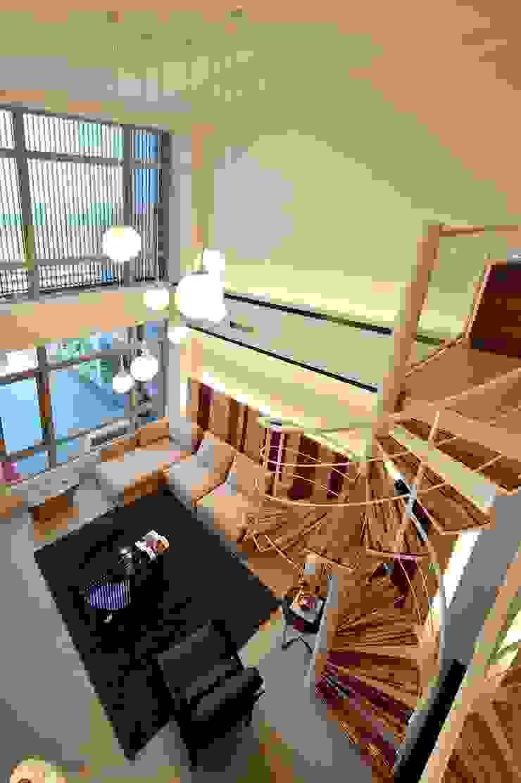 新屋-芥子 现代客厅設計點子、靈感 & 圖片 根據 一穰設計_EO design studio 現代風