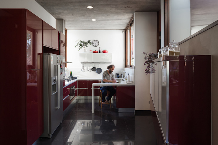 Built-in kitchens by Dx Arquitectos