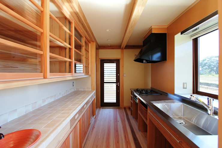 安藤建築設計工房 Kitchen units Wood Wood effect