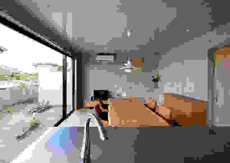一級建築士事務所アトリエm Modern style kitchen Reinforced concrete Grey
