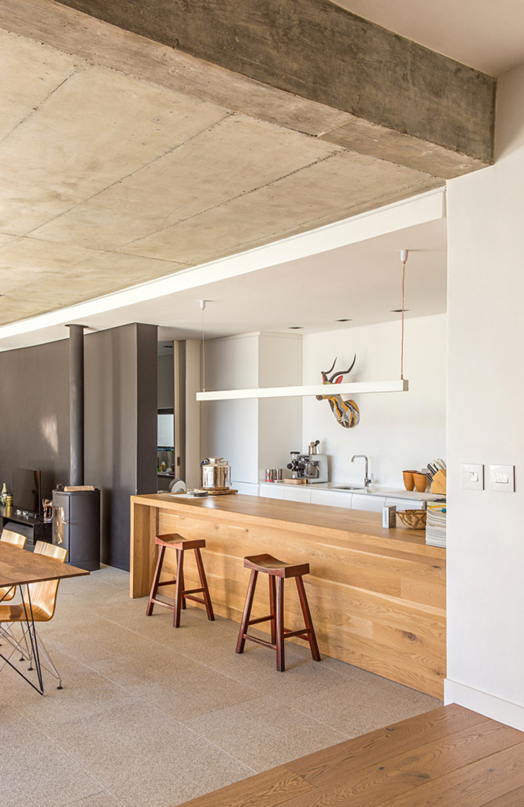 Minimalist dining room by Grobler Architects Minimalist