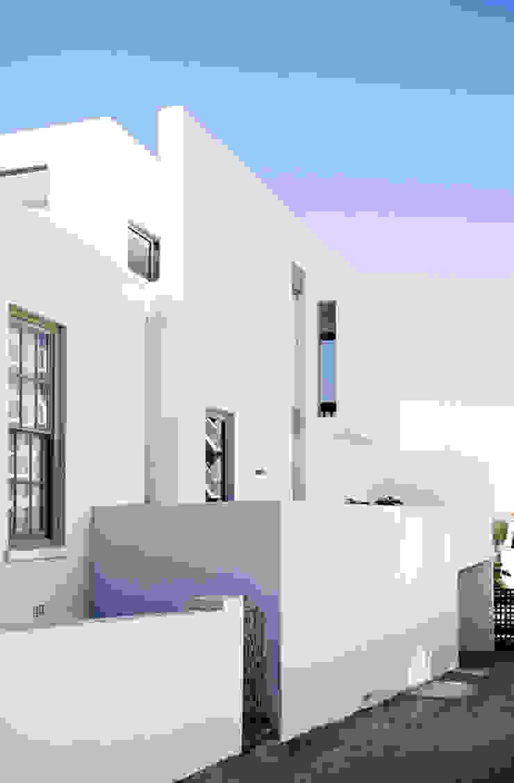 Minimalist houses by Grobler Architects Minimalist