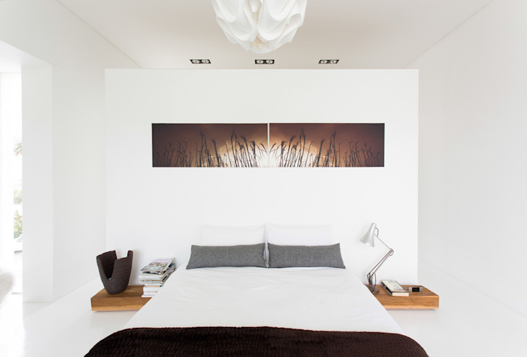 Minimalist bedroom by Grobler Architects Minimalist