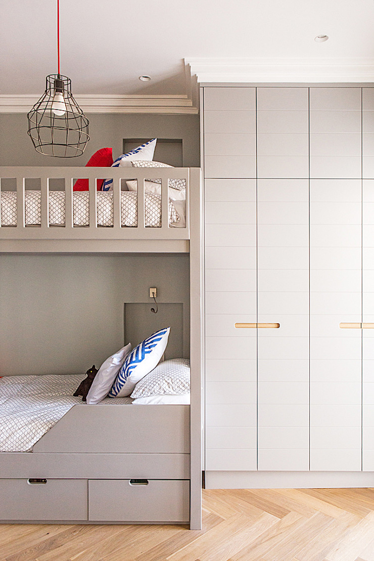 ALTERATION FRESNAYE, CAPE TOWN Modern style bedroom by Grobler Architects Modern