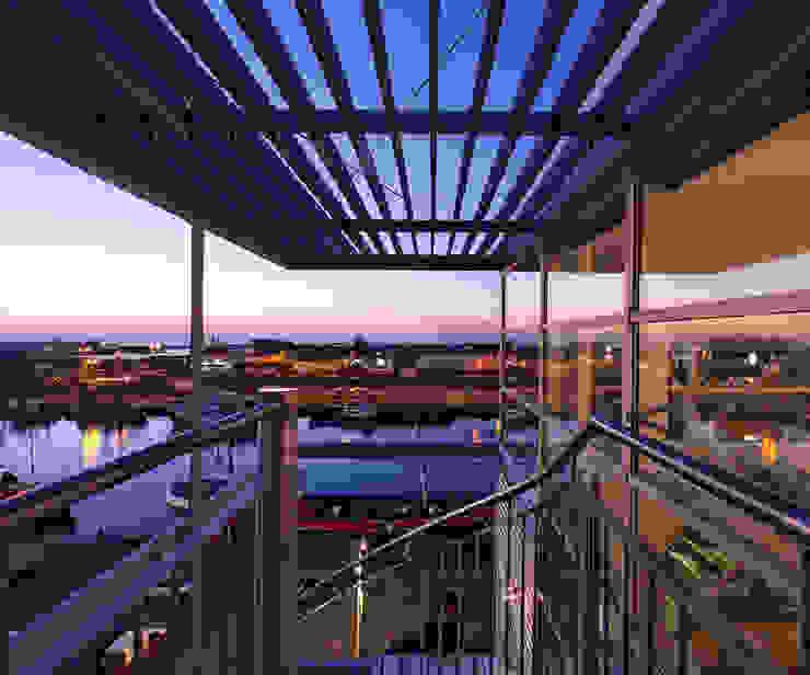 Penthouse Nautilus – Scheveningse Haven Industriële balkons, veranda's en terrassen van Archipelontwerpers Industrieel Aluminium / Zink