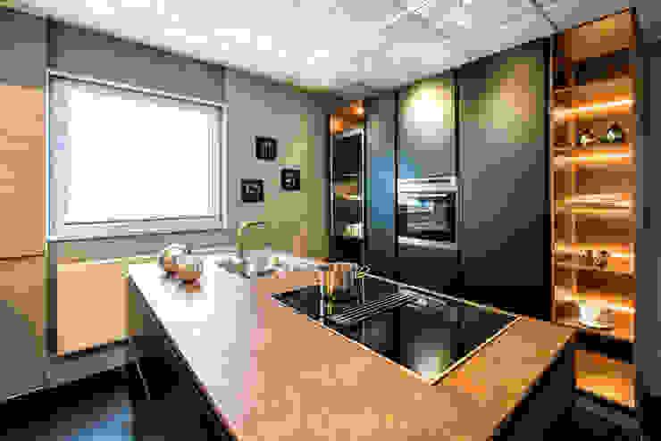 de Küchenstudio Prühäuser Moderno Madera Acabado en madera