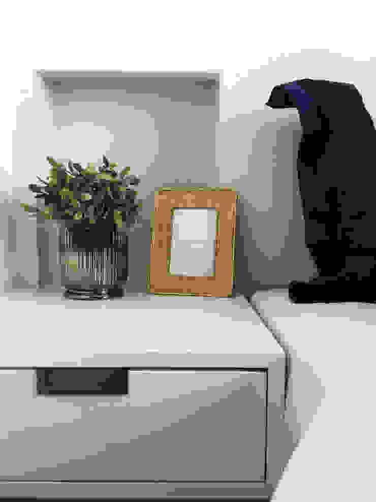 modern  by KOMA living interior design, Modern Wood Wood effect