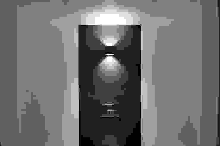 Banheiros modernos por CHORA architecten Moderno