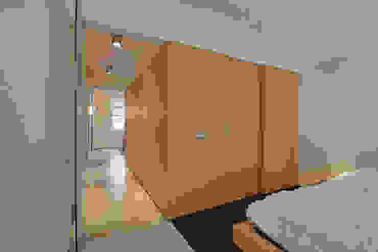 Closets por CHORA architecten Moderno